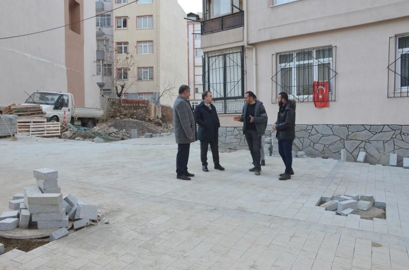 IŞIKLAR KALE MAHALLESİ'NDE ÇALIŞMALARI DENETLEDİ