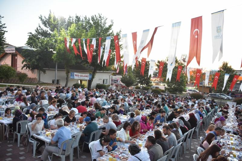 EYKOM'DA İFTAR SOFRALARI KURULDU