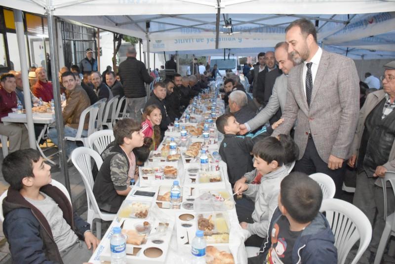 GAZİTEPE'DE GÖNÜL SOFRALARI KURULDU
