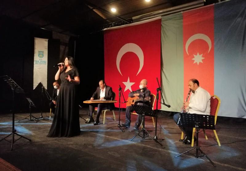 VİDADİQIZI ŞARKILARINI AZERBAYCAN-TÜRKİYE KARDEŞLİĞİ İÇİN SESLENDİRDİ